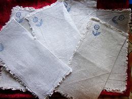 Vintage 5 Anciennes Toiles En Lin Avec En Exemple Une Fleur Bleue Broderie De France Loisirs Créatifs Différentes Teinte - Loisirs Créatifs
