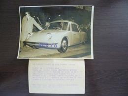 Photo De La Voiture Idéale De Jean-Pierre Wimille. Voiture Sport, Moteur Ford. New York Time Photos Paris.1948 - Voitures
