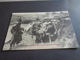 Guerre ( 535 )  Oorlog  -  Partie De Carte Dans Une Tranchée De 2° Ligne - Cartes à Jouer - Weltkrieg 1914-18