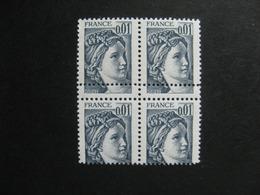 TB Bloc De 4 Du N° 1962, Piquage à Cheval. Neuf XX. - Abarten Und Kuriositäten