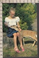 92569/ ENFANTS, Petits Amis, Fillette Avec Un Petit Faon - Scene & Paesaggi