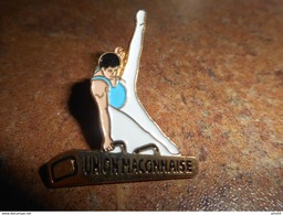 A005 -- Pin's Union Maconnaise  -- Exclusif Sur Delcampe - Gymnastique