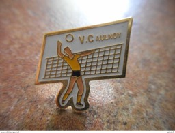A005 -- Pin's VC Aulnoy - Tennis De Table