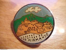 A016 -- Pin's 26 Mirmande -- Exclusif Sur Delcampe - Städte
