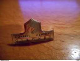 A016 -- Pin's Gironde Conseil General - Steden