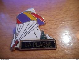 A017 -- Pin's La Plagne - Ciudades