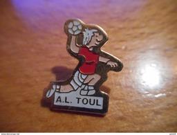 A018 -- Pin's AL Toul - Balonmano
