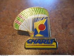 A022 -- Pin's Charly Parachute - Paracaidismo