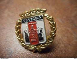 A026 -- Pin's Blason Sevilla - Villes