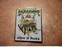 A030 -- Pin's Altitude Alpe D'Huez -- Dernier Vendu 08/2014 - Steden
