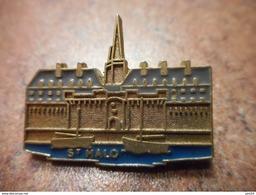 A030 -- Pin's St Malo - Villes