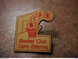A031 -- Pin's Basket Club Saint Etienne - Pallacanestro