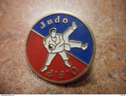 A031 -- Pin's Judo OFP - Judo