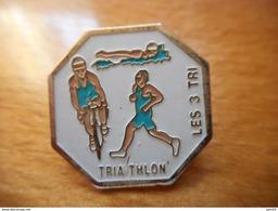 A001 -- Pin's Triathlon Les 3 Tri -- Exclusif Sur Delcampe !! - Biathlon