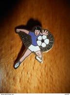 A002 -- Pin's Handball Savigne Leveque -- Exclusif Sur Delcampe - Balonmano