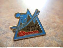 A008 -- Pin's Toyota Alpen Ski 92.93 - Toyota