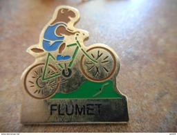 A008 -- Pin's Velo Flumet - Cyclisme