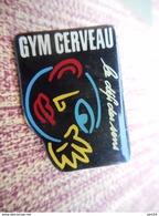 A009 -- Pin's Gym Cerveau Le Defi Des Sens - Gimnasia