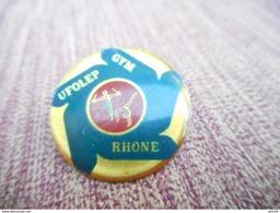 A009 -- Pin's Gym Rhone UFOLEP -- Exclusif Sur Delcampe - Gymnastique