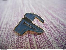 A009 -- Pin's Robinet Rapetti - Merken