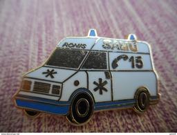 A009 -- Pin's Ronis Ambulance 15 - Transports