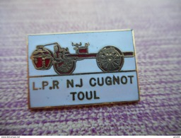 A011 -- Pin's Cugnot Toul -- Exclusif Sur Delcampe - Pin's & Anstecknadeln