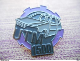A011 -- Pin's UTM 1500 - Autres