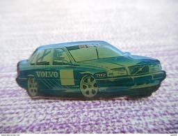 A011 -- Pin's Volvo 850 -- Exclusif Sur Delcampe - Pin's & Anstecknadeln