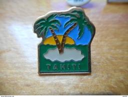 A017 -- Pin's Tahiti - Villes