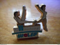 A018 -- Pin's Ufolep Villeurbanne -- Exclusif Sur Delcampe - Gymnastique