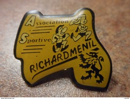 A024 -- Pin's Association Sportive Richardmenil - Athletics