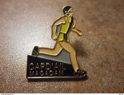 A024 -- Pin's Capd'Ail Macadam -- Exclusif Sur Delcampe - Athletics