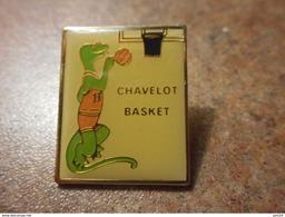 A024 -- Pin's Chavelot Basket - Basketball