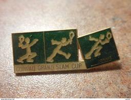 A024 -- Pin's Compaq Grand Slam Cup - Tennis