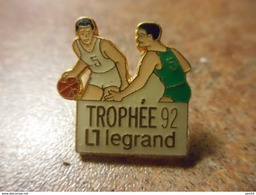 A024 -- Pin's Trophee Legrand 92 - Basketball