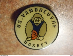 A024 -- Pin's US Basket Vandoeuvre - Basketball