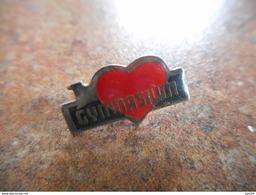A025 -- Pin's I Love Gymnasium-- Exclusif Sur Delcampe - Gimnasia
