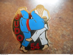 A025 -- Pin's Judo 54 - Judo