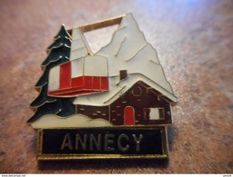 A027 -- Pin's Annecy -- Exclusif Sur Delcampe - Steden