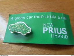 A033 -- Pin's Toyota Prius Hybride Eco -- Exclusif Sur Delcampe - Toyota
