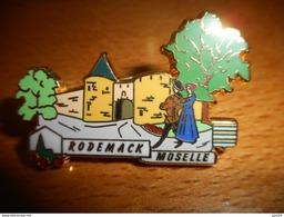 A0013 -- Pin's Des Plus Beaux Villages De France - PBVF - Rodemack - Moselle - Städte