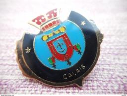 A008 -- Pin's Blason Calais - Villes