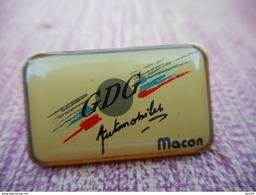 A008 -- Pin's GDG Automobiles Macon -- Exclusif Sur Delcampe - Autres