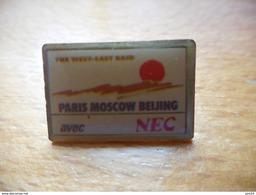 A008 -- Pin's Paris Moscow Beijing Avec Nec - Automobile - F1