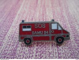 A008 -- Pin's SOS Samu 54 - Pompiers