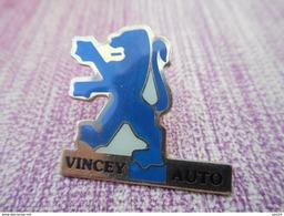 A008 -- Pin's Peugeot Vincey Auto - Peugeot