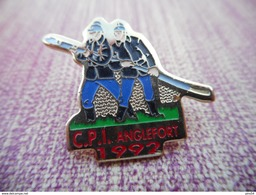 A008 -- Pin's Pompiers CPI Anglefort 1992 -- Exclusif Sur Delcampe - Pompiers