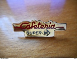 A017 -- Pin's Caféteria Super M - Merken