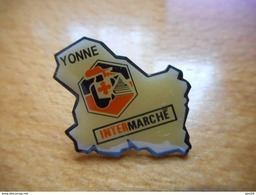 A017 -- Pin's Intermarché Yonne - Merken