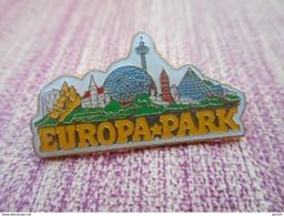 A008 -- Pin's Europa-park - Ciudades